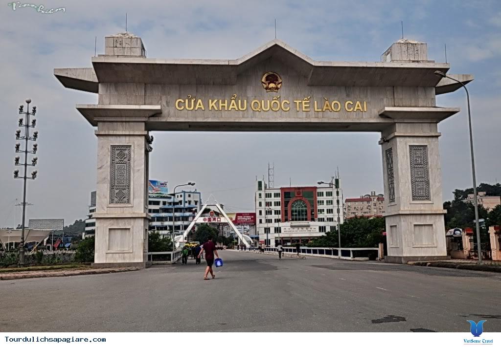 Cửa khẩu Lào Cai - Hà Khẩu