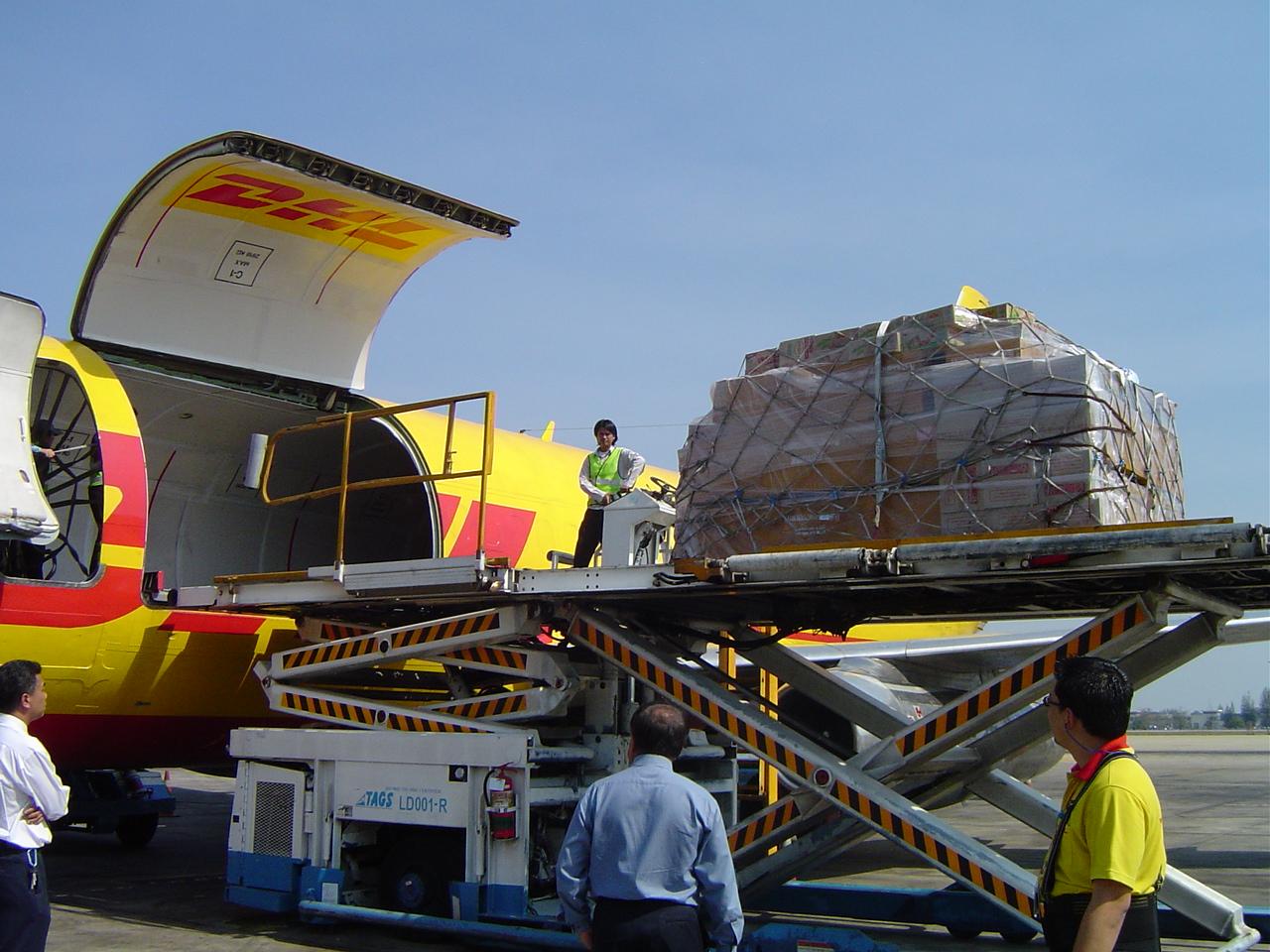 Dịch vụ chuyển phát nhanh quốc tế đi Pháp bằng đường hàng không giá rẻ của ViettelCargo