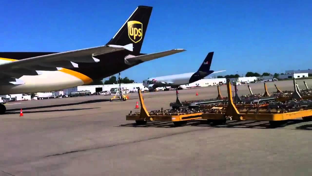 Dịch vụ chuyển phát nhanh quốc tế đi Canada giá rẻ