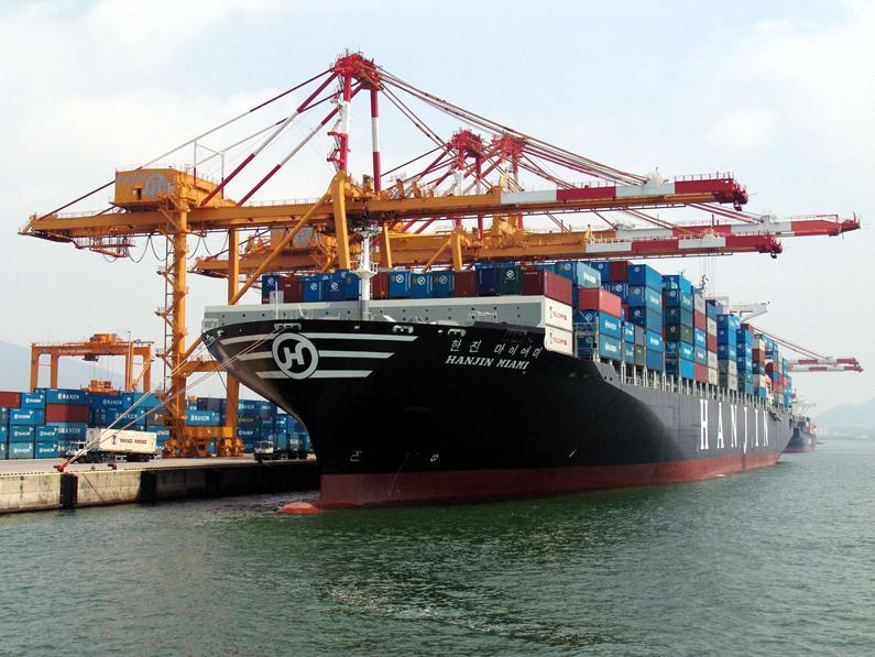 Xếp dỡ hàng hóa vận chuyển đi Hàn Quốc