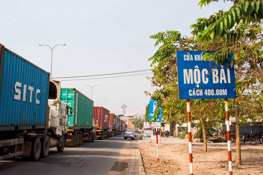 Vận tải đường bộ từ TP. Hồ Chí Minh (Sài Gòn) đi Phnom Penh giá rẻ