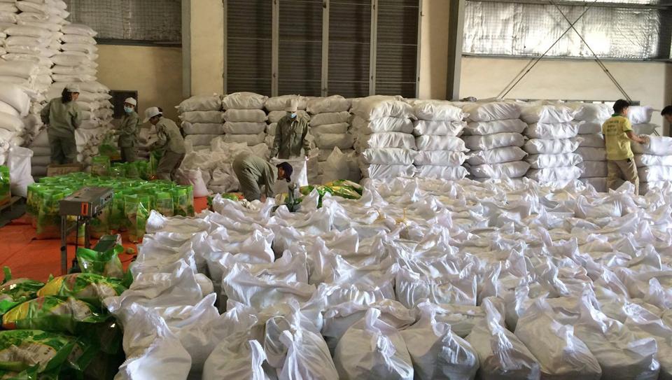ViettelCargo tổ chức giao nhận hàng xá tại kho xưởng