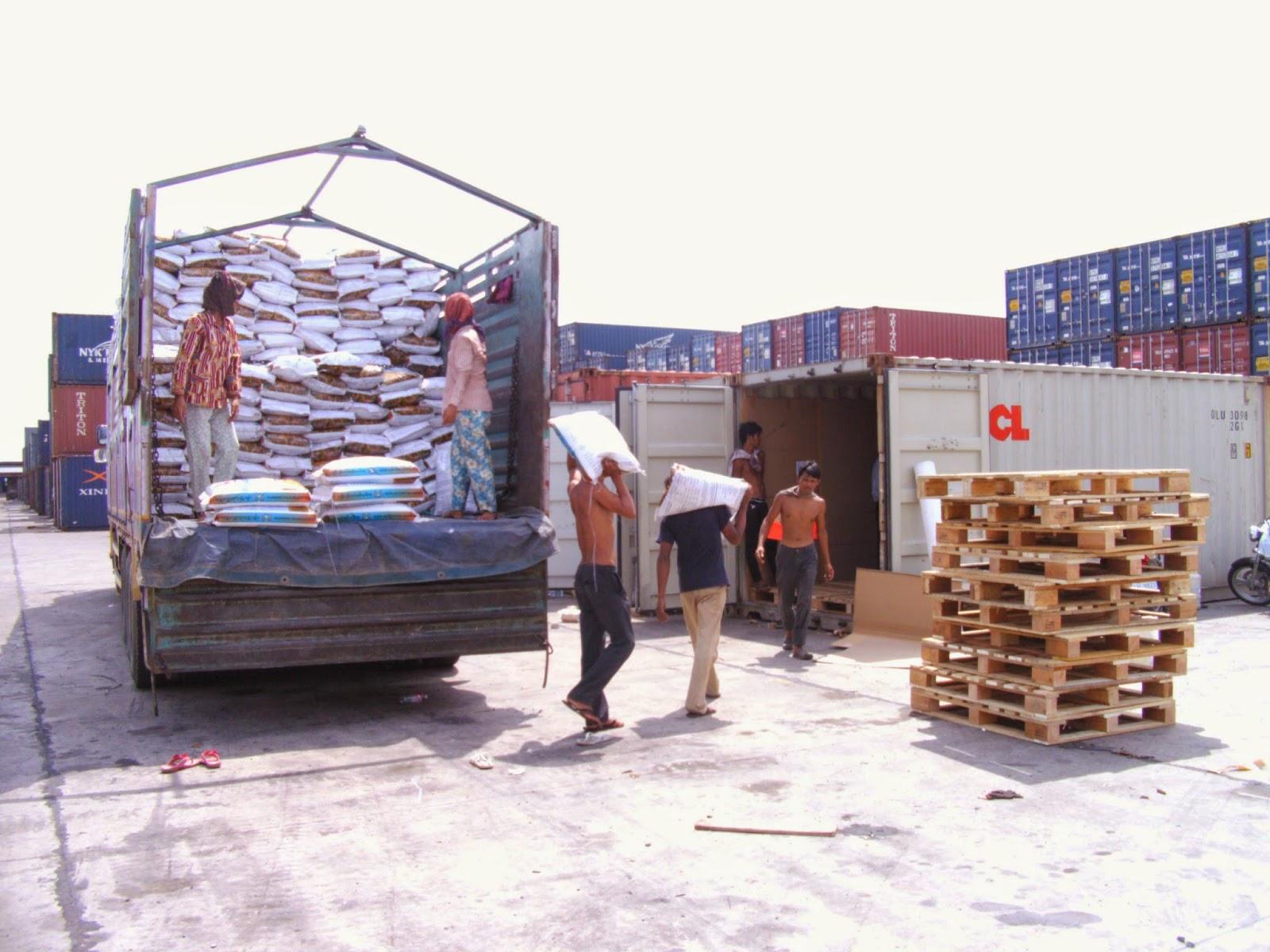 ViettelCargo tổ chức vận chuyển hàng hóa đi các tỉnh thành của Lào, Campuchia