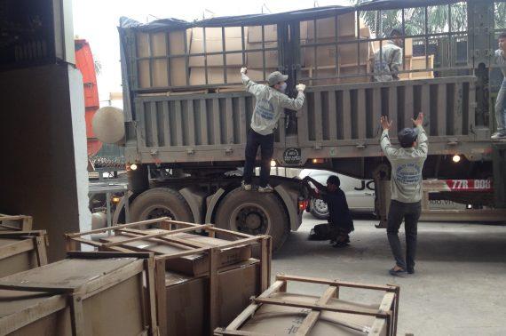Dịch vụ vận tải đường bộ từ Quảng Ngãi đi Lào giá rẻ