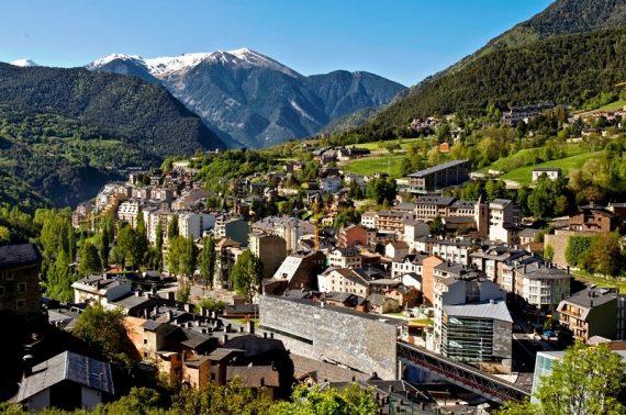 Dịch vụ chuyển phát nhanh từ Việt Nam đi Andorra