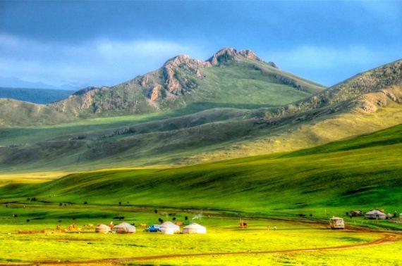 Chuyển phát nhanh qua Mông Cổ với dịch vụ uy tín hàng đầu, giá cả hợp lý tiết kiệm của UPS