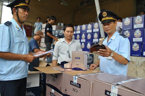 Làm thủ tục hải quan hàng xuất nhập khẩu