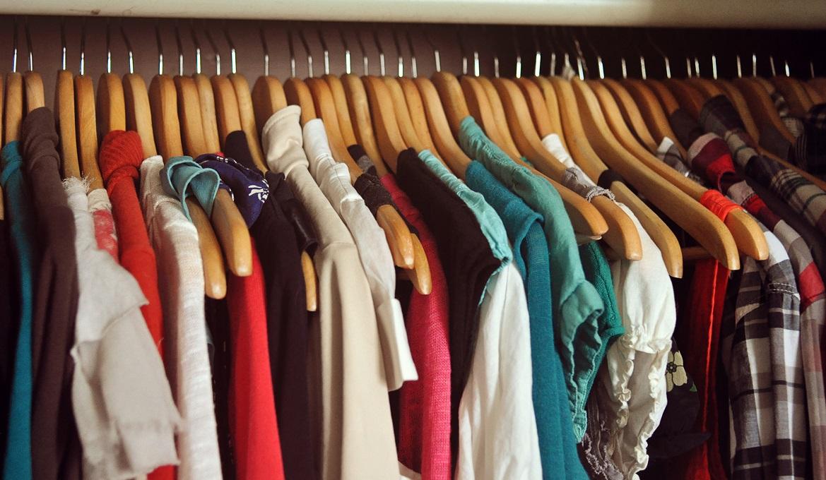 Dịch vụ vận chuyển quần áo từ Thái Lan về Việt Nam giá rẻ