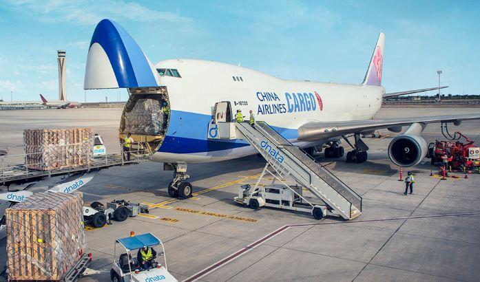 Những thứ được mang lên và không được mang lên máy bay