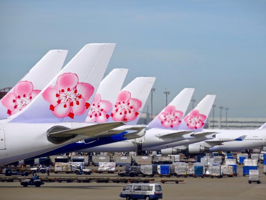 Vận chuyển đường hàng không quốc tế với thời gian nhanh chóng