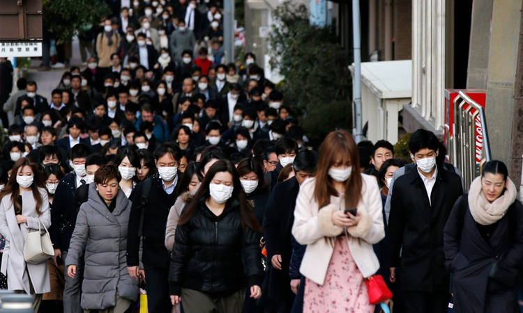 Người Nhật tích cực đeo khẩu trang bảo vệ sức khỏe